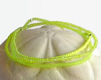 Seed bead bracelet in neon yellow, minimalist stretch bracelets, bohemian everyday bracelet