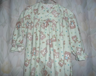 Girls size 2 Gown with teddy bears on green background