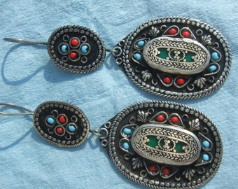 vintage ear rings very beautiful  authentic somthing different