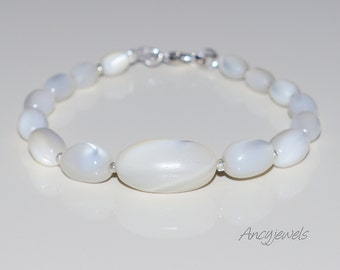 Bracelet genuine white pearl (mother of pearl)
