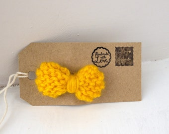 Yellow knitted bow // bow tie brooch