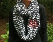 Monogrammed Chunky Knit Scarf / Monogrammed Infinity Black / Grey / White
