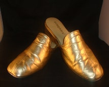 Vintage OOmphies Granada Classic Gold Leather Slippers/ Shoes(1980S) Size 9
