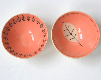 2 Small bowls incoral