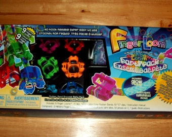 Rainbow Loom® Authentic Finger Loom™ Party Pack by the makers of Rainbow Loom®.  9 Finger Looms, Clips, 1200 Bands, 50 Large Colored C-Clips