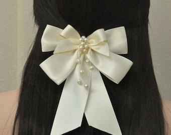 Creamy Wedding Hair Clip Fascinator Wedding Accessory,hair barrette,Bridal Hair Clip,satin hair clip,retro, wedding barrette,creamy hair bow