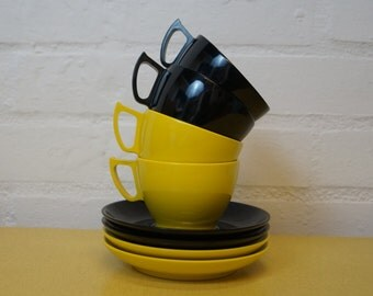 Vintage Melaware cups and saucers