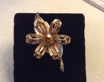 Vintage Jewelry- Flower Brooch/Pin with Topaz Stones