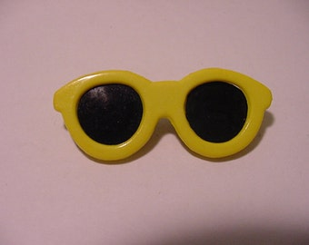 Vintage 1960s Era Yellow Sunglasses Brooch