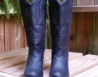 Monogrammed Boots~Monogrammed Riding Boots~Black Monogrammed Cowgirl Boots~Western Boots