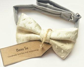 mens bow tie vintage silk, ivory bow tie, silk bow tie, vintage bow tie, silk brocade bow tie