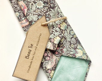 Floral tie, Mens skinny tie, wedding tie, floral skinny tie, Liberty skinny tie, bird print tie, Liberty floral tie