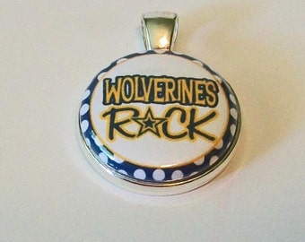 Cute Navy Blue and Gold Wolverines Rock Round Silver Fashion Pendant
