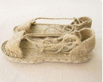 Authentic traditional spanish medieval espadrille lace up sandals