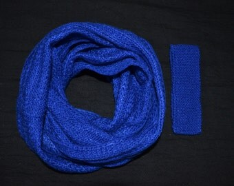 Hand knitted infinity Scarf Royal Blue,Christmas Gift under 30,Gift for co workers,Winter Accessories,Gifts for Women,Woollen scarf,Infinity