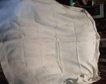 HALF PRICE SALE!!! Vintage Linen Damask Tablecloth