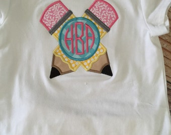 Pencil split monogrammed appliqued short sleeve shirt