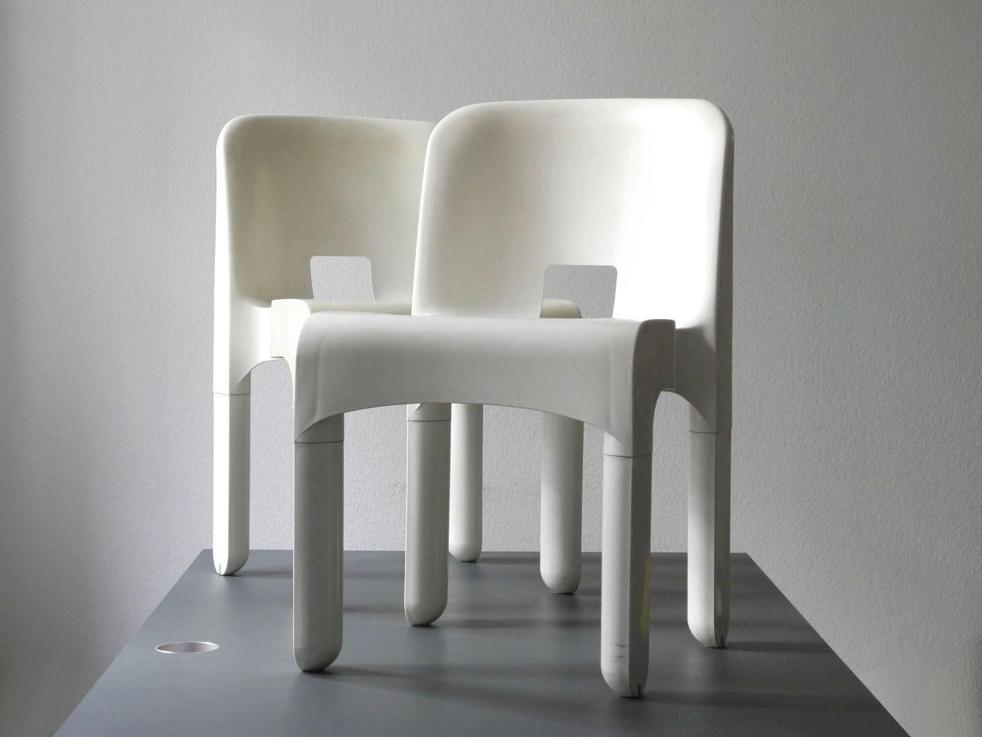 Zwei Original Weisse Joe Colombo 4867 Stühle Von Kartell