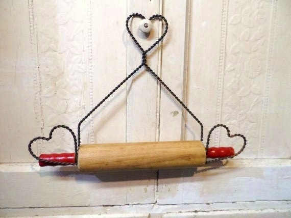 Wire Rolling Pin Holder Vintage Twisted Wire Heart Rolling