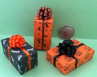 Miniature Dollhouse Holloween Gift Packages