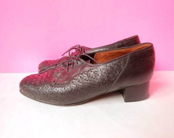 vintage black leather perforated oxfords with low square heel size 7.5
