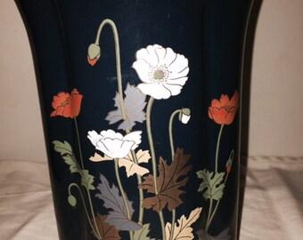 YAMAJI Deep Blue vase with flowers