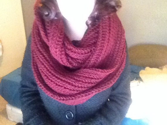 Chunky Burgundy Knit Infinity Scarf. Burgundy Loop Scarf. Vegan Scarf.