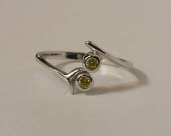 Adjustable Peridot CZ toe Ring - .925 Sterling Silver - Toe Ring or knuckle ring