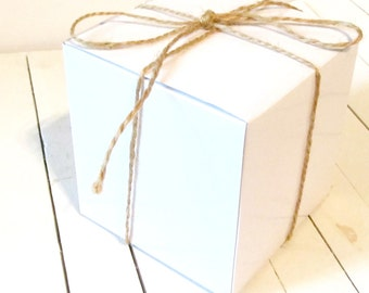 Set of 50 - White Gift / Cupcake Boxes 4 x 4 x 4 - gift box, favor box, cupcake boxes, favor boxes, cake boxes, gift boxes, cupcake inserts