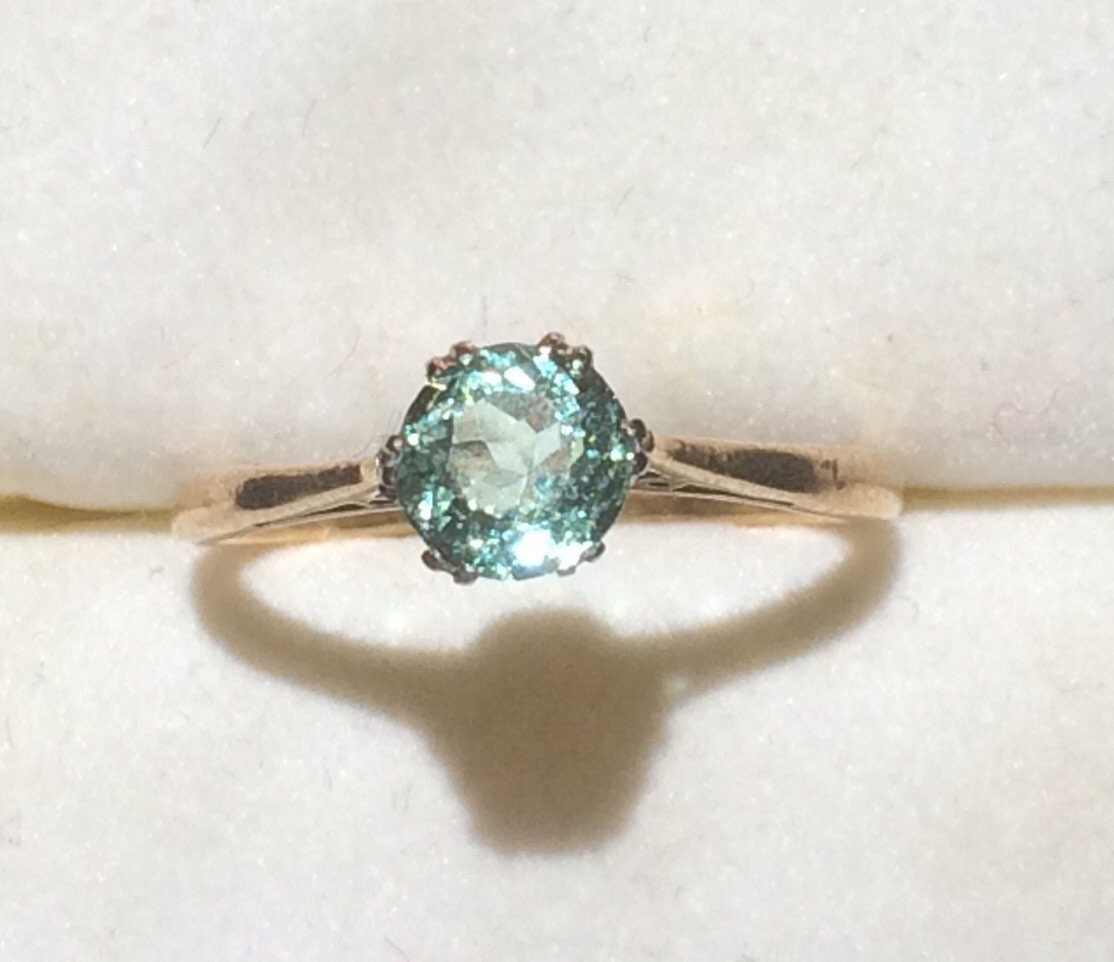 Vintage Aquamarine Ring in a 9k Yellow Gold. 0.75 Ct Round