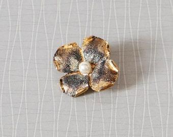 Vintage brass brooch flower jewelry blossom gold women gift stick pin antique