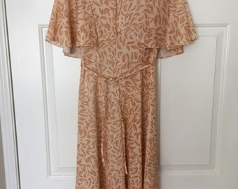 Vintage 70s flutter sleeve dress