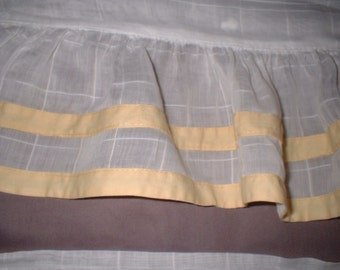 VINTAGE 3 White Windowpane Cotton Voile Sheer Valances Available Ruffle Trim with Yellow EXC