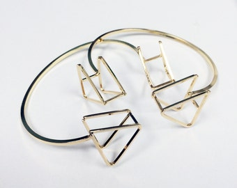 3-D architectural open cone bangle with triangle shape