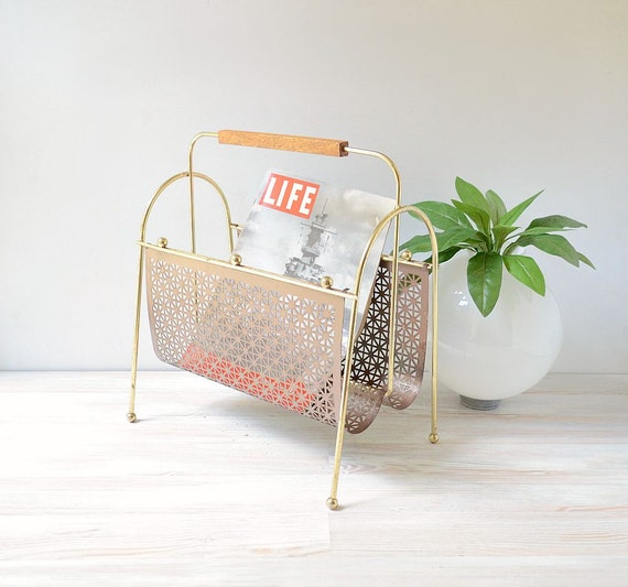 vintage magazine rack gold wire and mesh magazine holder. Black Bedroom Furniture Sets. Home Design Ideas