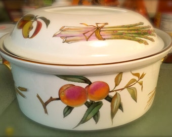 FREE SHIPPING Royal Worcester Evesham Large Oval Covered Casserole