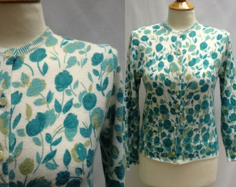 Womens Vintage Flower Print Cardigan Sweater, 1950s to 1960s