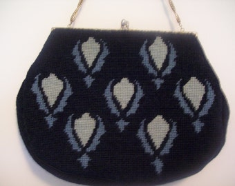 Navy blue 1950's needle point / petite point, purse / handbag / pocketbook with kiss clasp and chain handle