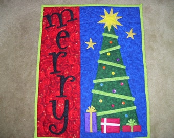 Christmas tree quilt that has been machine quilted and appliqued-Christmas presents-message quilt