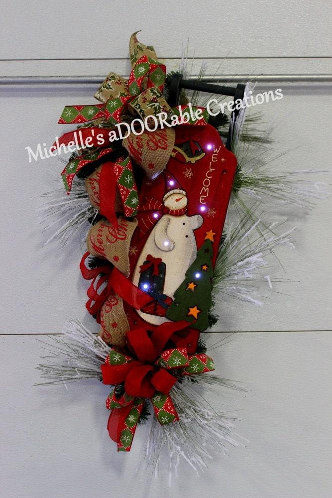on sale christmas wreath lighted christmas sleigh wreath. Black Bedroom Furniture Sets. Home Design Ideas