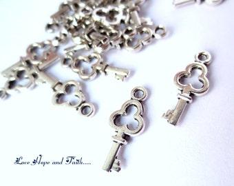 20 charm key THREE ARCS