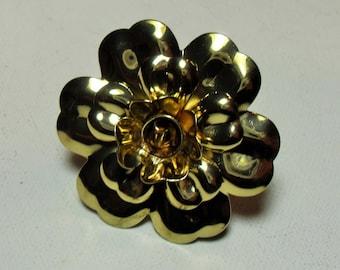Gold tone metal flower ring, gold tone metal retro hippie flower ring, big  chunky statement ring, GIngerslittlegems
