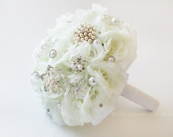 SALE Brooch Bouquet White Bridal Bouquet Brooch Bridal Broach Bouquet Flower Wedding Bouquet Winter wedding Bouquet Winter Wonderland