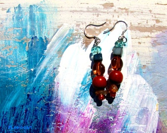 Earring colored with wood and mother-of-pearl