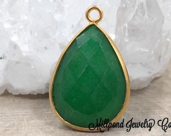 Green Bezel Pendant, Bezel Pendant, Bezel Teardrop Pendant, Bezel Charm, 22K Gold Plated Pendant, Green Colored, PG3035