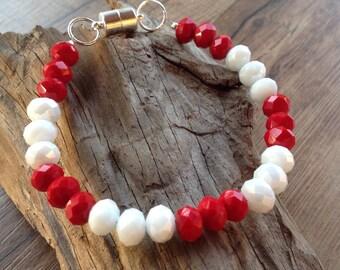 Red and white beaded bracelet, Alabama jewelry, glass beaded bracelet, Alabama Bracelet, single strand bracelet