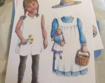 Souvenir Vivienne Paper Doll 2014