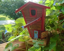 Crooked Little Birdhouse / Mama Birdie's Bording House