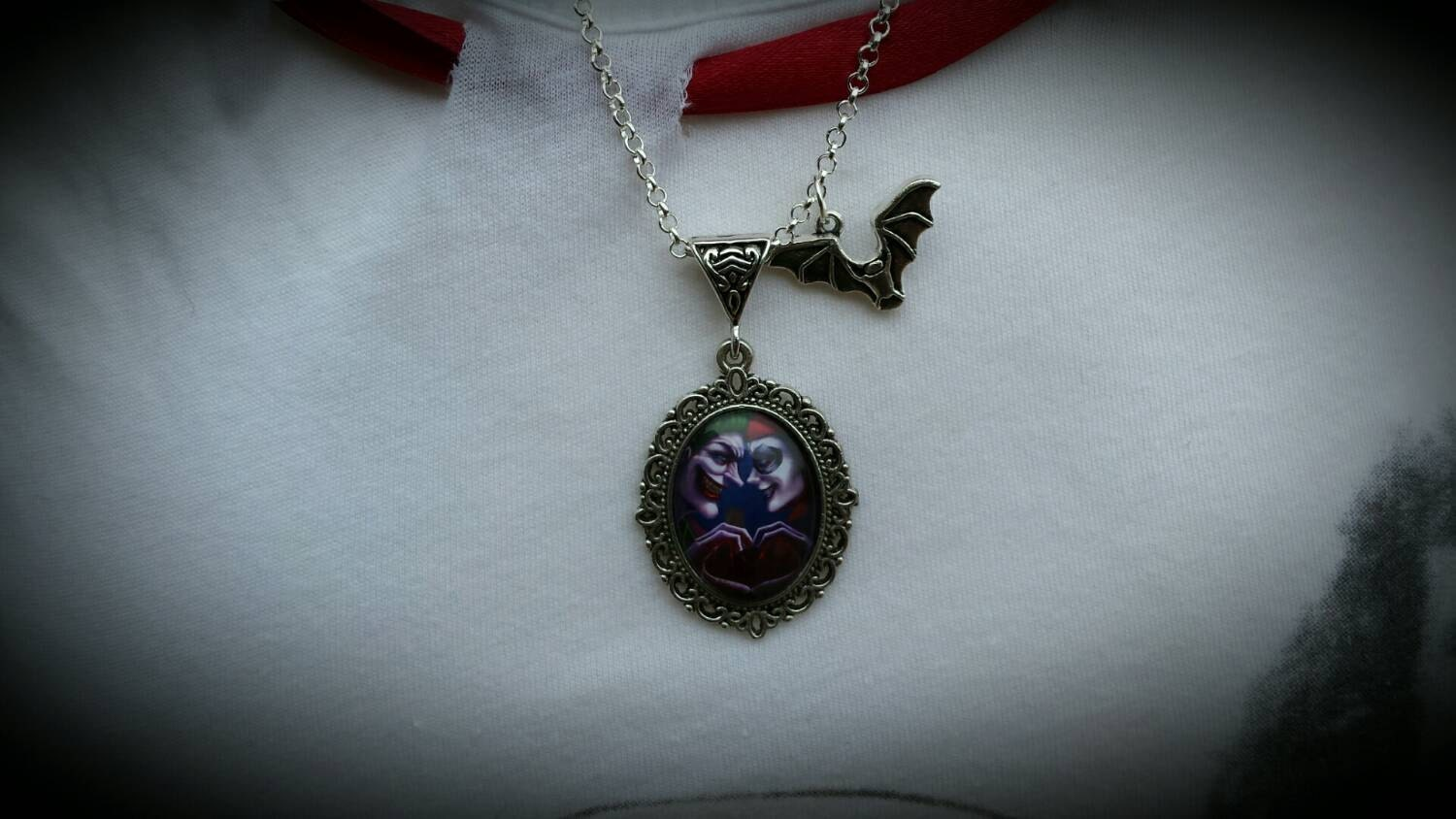 The joker and harley quinn vintage style necklace with tibetan for Harley quinn and joker jewelry