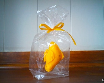 Yellow fish - The Ultimate Pet, Fish in a bag, vegan.